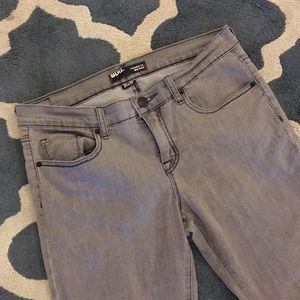 UO mid rise grey cigarette jeans 👖😎